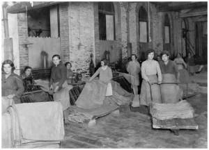 Trabajadoras de la fábrica de sacos de yute de Vitoria